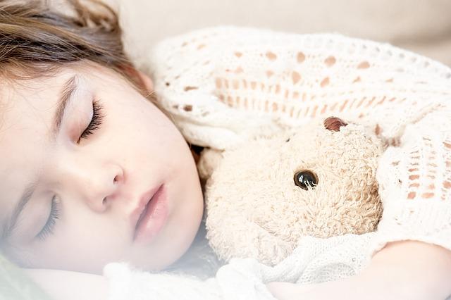 Husten, sleeping-1311784_640