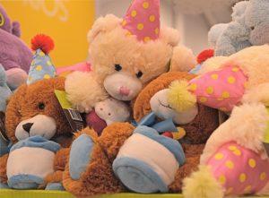 stuffed-animals-1818223_640