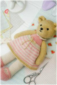 Teddy selbst gestrickt mit rosa Kleid Teddys selbst gestrickt