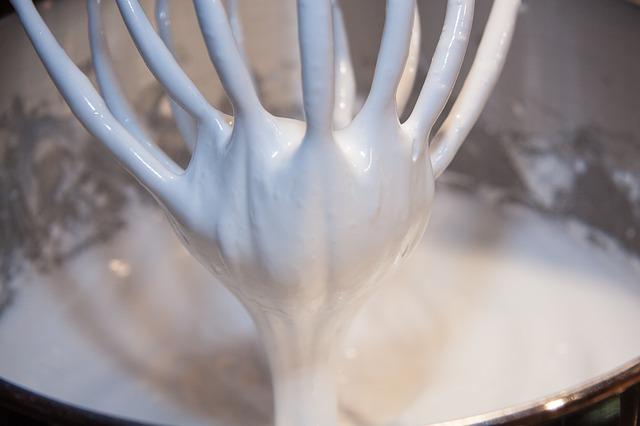 egg-white-snow-232655_640