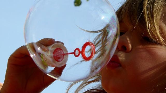 Spielen mit Luft, soap-bubbles-870342_640