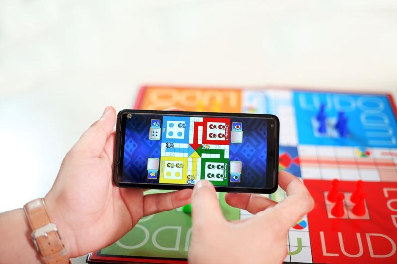 Digitale Spiele sind beliebt bei den Kleinen – aber mehr als 15 min. pro Tag sollten sie bis zum Schulalter damit nicht verbringen.