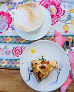Apfelkuchen und Kaffee von KidsLife Redaktion