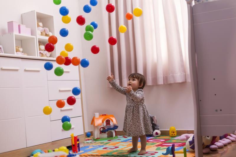 Indoor Ballspiele im Kinderzimmer