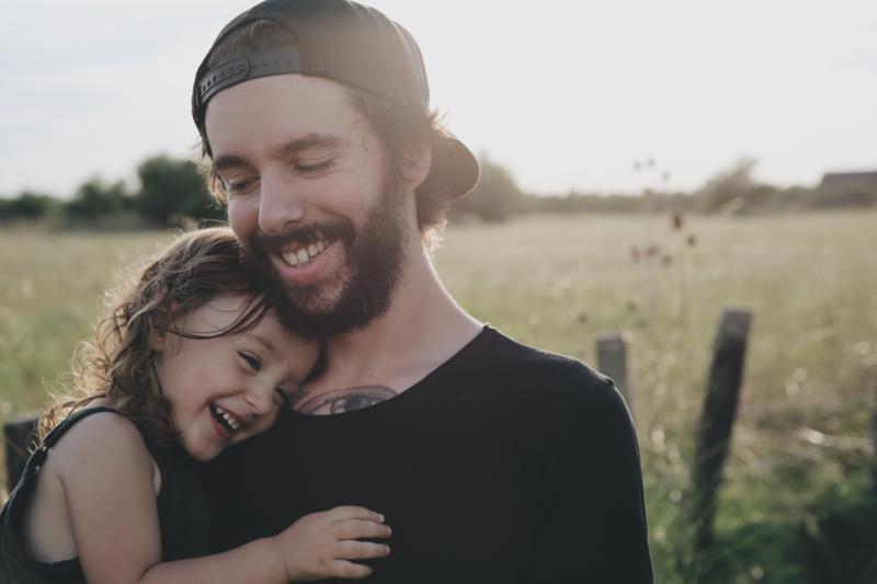 Eltern Kind Kommunikation – Vater und Tochter