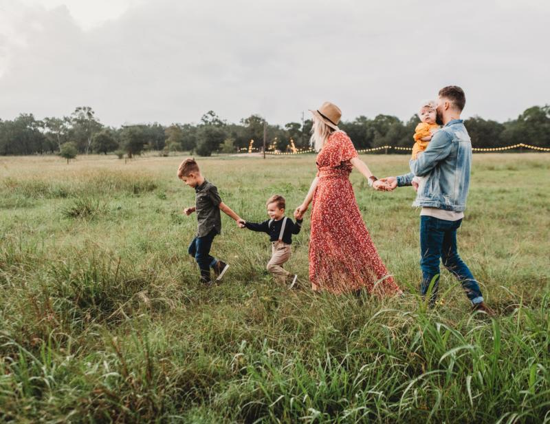 Familienunterhaltung - Family walk