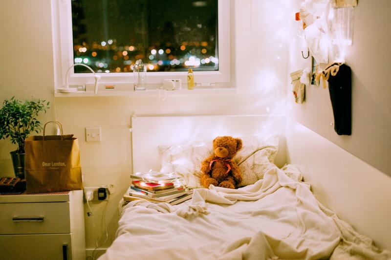Kinderzimmer mit Bett