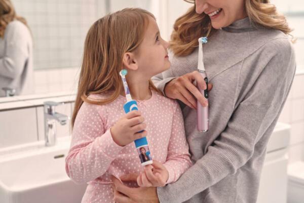 Oral B mum and daughter