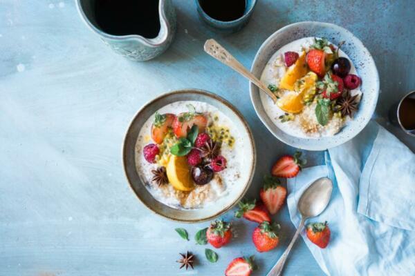 Porridge_with_fruit