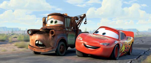 Lightning McQueen mit seinem besten Freund Hook